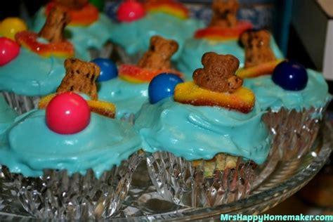 easy summer cupcakes  teddy grahams  happy homemaker
