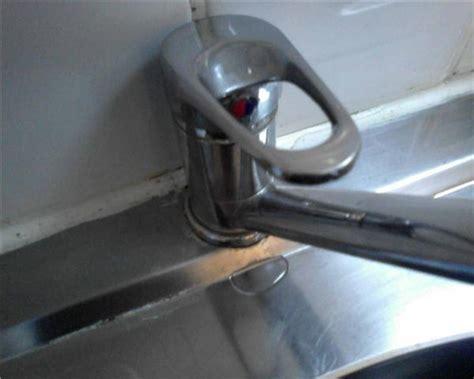 fuite robinet cuisine fuite mitigeur cuisine
