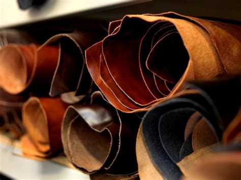 leather tanned vegetable lineapelle bridle textile manufacturing handicrafts manufacturers milan mark hide skincraft five aba n10 boa loan indian english