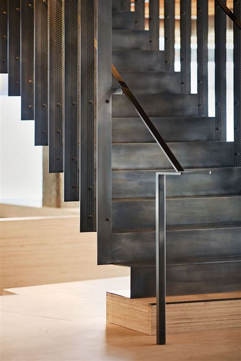 Modern Stair Design: Continuous + Crazy Cool - Studio MM Architect