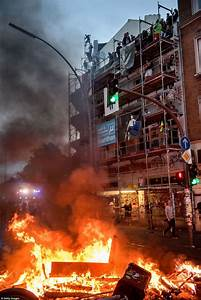 Refugees brand Hamburg protesters 'insane' for rioting ...