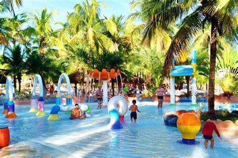 Parque Aquático Hot Beach em Olímpia