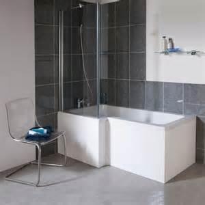 landhaus wandgestaltung badewanne mit duschzone tolle beispiele