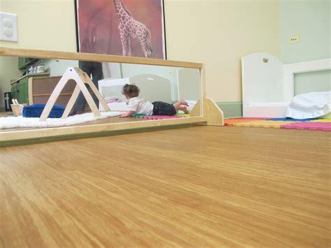chambre montessori miroir chambre bébé montessori chaios com