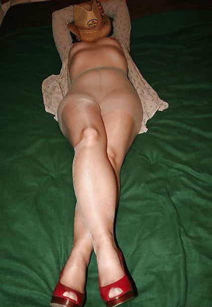 Mature Amateur Sexy Legs In Tan Nude Pantyhose 30 Pics