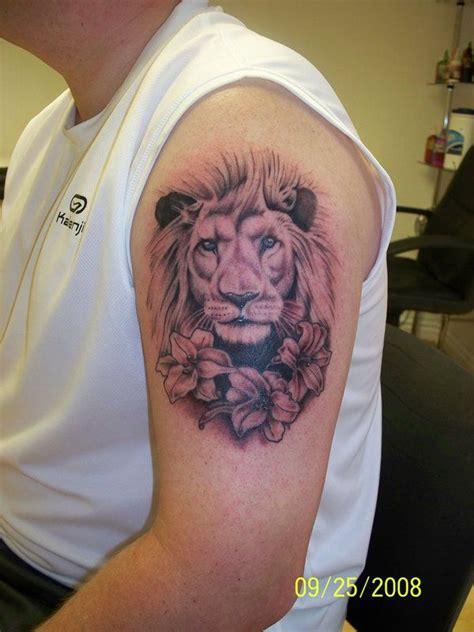 lion blumen lion tattoo think peonies instead tattoos