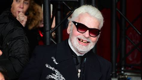 Karl Lagerfeld: What happened to your teeth? - TECH2
