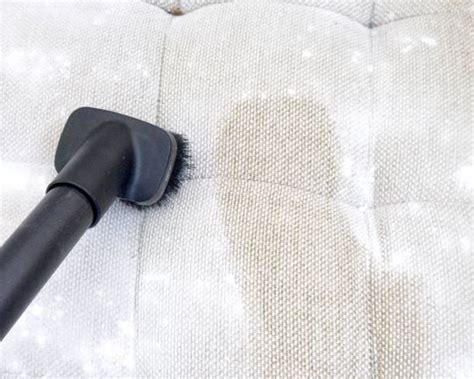 nettoyer canapé en tissu les 25 meilleures idées de la catégorie canapé microfibre