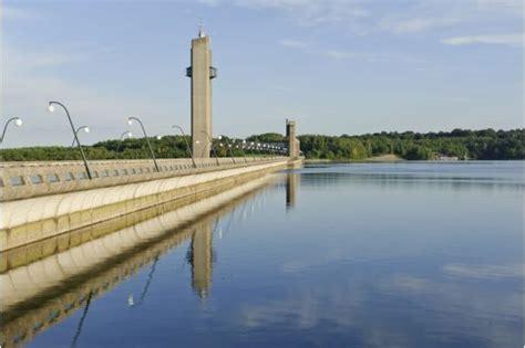 chalet barrage de l eau d heure visite du barrage des lacs de l eau d heure 224 boussu walcourt lac ardenne belgique