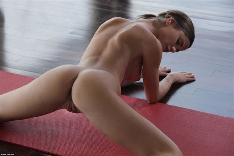 Pic Caprice Yoga Goddess Dirty Small Girls Sorted Luscious