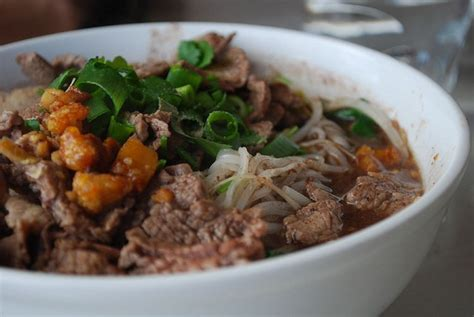 cucina tipica thailandese cucina thailandese boat noodles la zuppa tipica di ayutthaya
