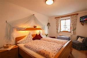 Zimmer Nr 4 : doppel einzelzimmer nr 4 pension huber ferienwohnungen zimmer in bad feilnbach bad aibling ~ Markanthonyermac.com Haus und Dekorationen