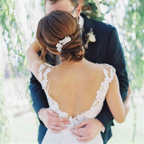 67 Romantic Hairstyles to Wear on Your Wedding Day