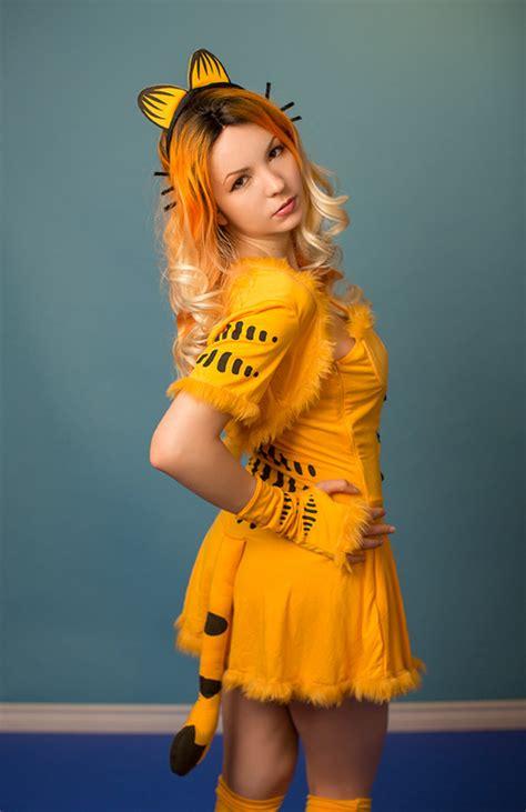 garfield pinup cosplay