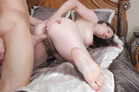 Stranded Prego Riding Dicks Pregnant Libertines Moms Angela Eat On A Dicks And Bounce
