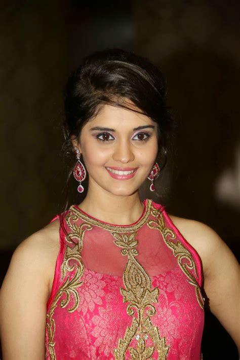 hot hd wallpapers  images  actress surabhi