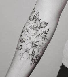 foto de tatouage avant bras femme