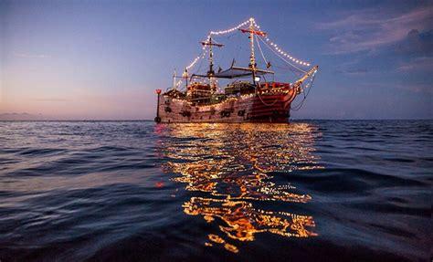 Barco Pirata Hook Cancun barco pirata canc 250 n capitan hook tours de noche canc 250 n