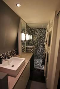 Salle De Bain Etroite : quelles astuces pour am nager une toute petite salle de bain viving ~ Melissatoandfro.com Idées de Décoration