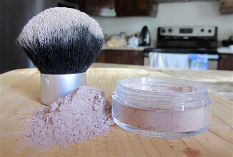 les 25 meilleures id 233 es de la cat 233 gorie fond de teint sur maquillage fond de teint