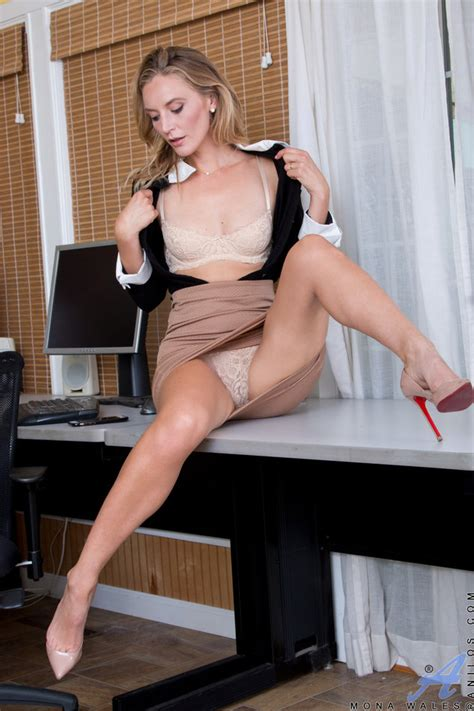 [Anilos] Elegant secretary MILF Mona Wales with perfect skinny body and skirt in office ...