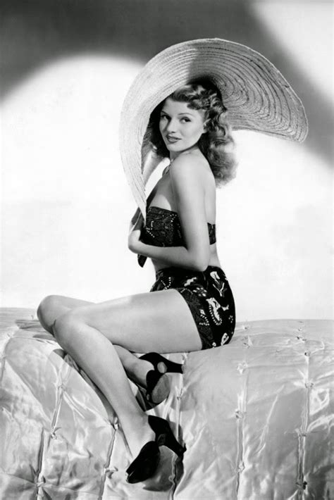 rita hayworth bikini 1940s fashion and style trends in 40 stunning pictures
