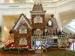 Gingerbread Displays Extra Walt Disney World Magic