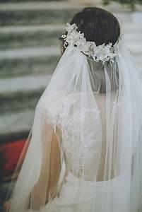 Couronne De Fleurs Mariée : voile de mari e avec couronne de fleurs 15 voiles de mari e pour r ver elle ~ Farleysfitness.com Idées de Décoration