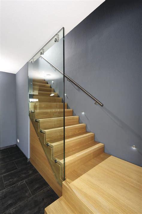 Glasgeländer Treppe Preis by Innen Treppe Holz Mit Glasgel 228 Nder Weberhaus City