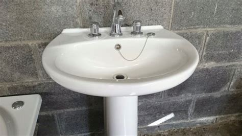 Jacuzzi Bath And Sink With Pedestal For Sale In