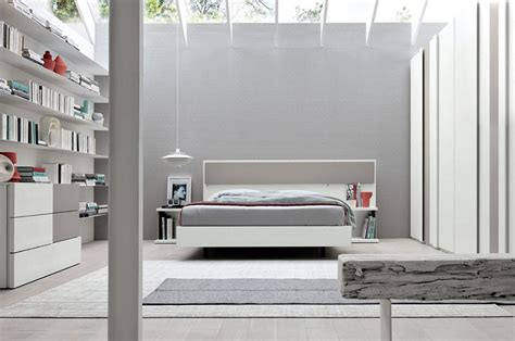 Idee di stile e design. 20 Idee per Arredare una Camera da Letto Bianca e Grigia Moderna | MondoDesign.it