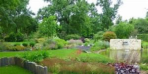 Plantes Vivaces Autour D Un Bassin : le bassin entour de ses massifs de plantes vivaces color es contemporain jardin bordeaux ~ Melissatoandfro.com Idées de Décoration