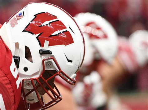 Wisconsin chancellor: Big Ten football on hold until ...