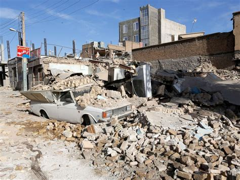 Earthquake Images 400 Killed Thousands Injured In Earthquake Near Iran
