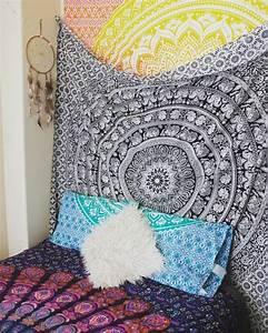 Coussin Boheme Chic : 1001 d co uniques pour cr er une chambre hippie ~ Melissatoandfro.com Idées de Décoration