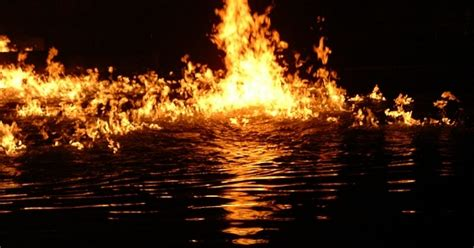 bengaluru lakes   polluted   catching fire