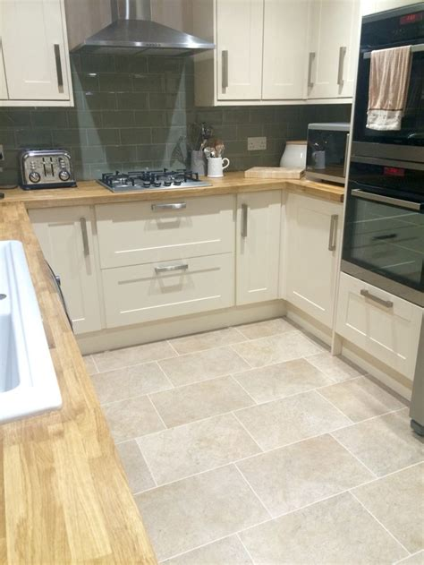 white kitchen floors 1000 ideas about kitchens on 1365