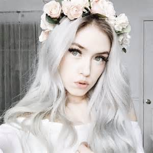 Aesthetic Girl with Blonde Hair Tumblr