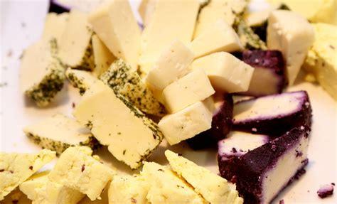 No 25 kilogramiem siera veidos gleznas :: Dienas Bizness