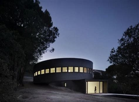 Modern And Dramatic Architecture 360 House In Spain