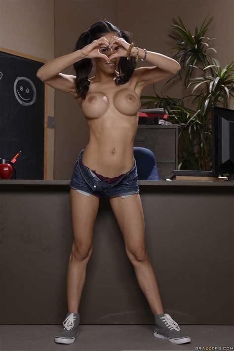 sexy schoolgirl tia cyrus strips in the classroom my