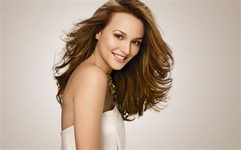 Beautiful Hollywood Girls - Actress Celebrities Wallpapers
