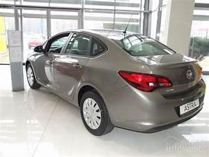 Opel Astra J sedan 2017 | Polovni Automobili