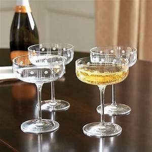 Coupe à Champagne : dots coupe champagne glasses set of 4 ballard designs ~ Teatrodelosmanantiales.com Idées de Décoration