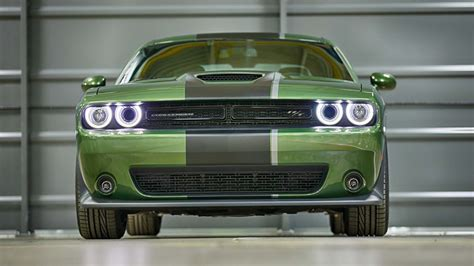 Dodge Charger And Challenger by Dodge Rolls Out Challenger And Charger Stripes
