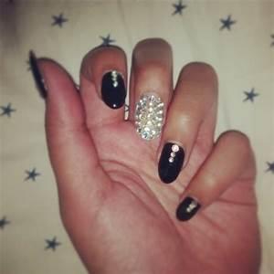Black Rounded Acrylic Nails