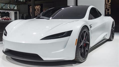 tesla horizon 2020 tesla roadster battery range to eclipse 1000 kilometer