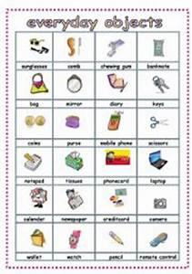English worksheet: everyday objects pictionary