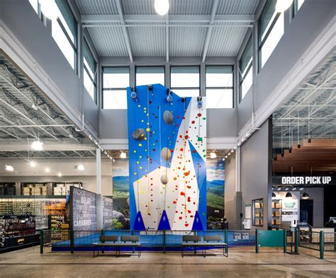 dicks sporting goods debuts house  sport concept store