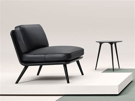buy the fredericia spine lounge chair at nest co uk